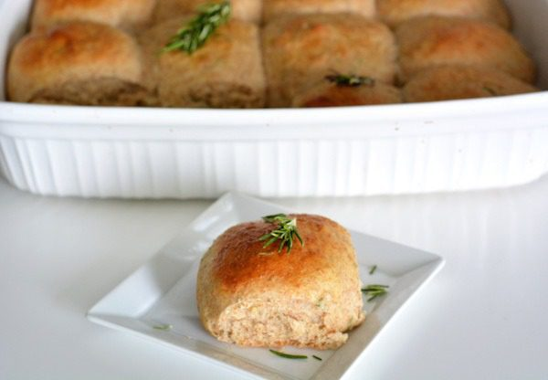 Rosemary and Garlic Dinner Rolls - Foodie and Wine