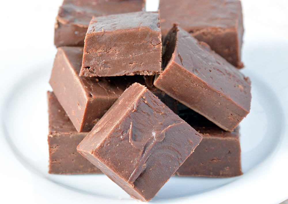 3 Ingredient Easy Chocolate Fudge