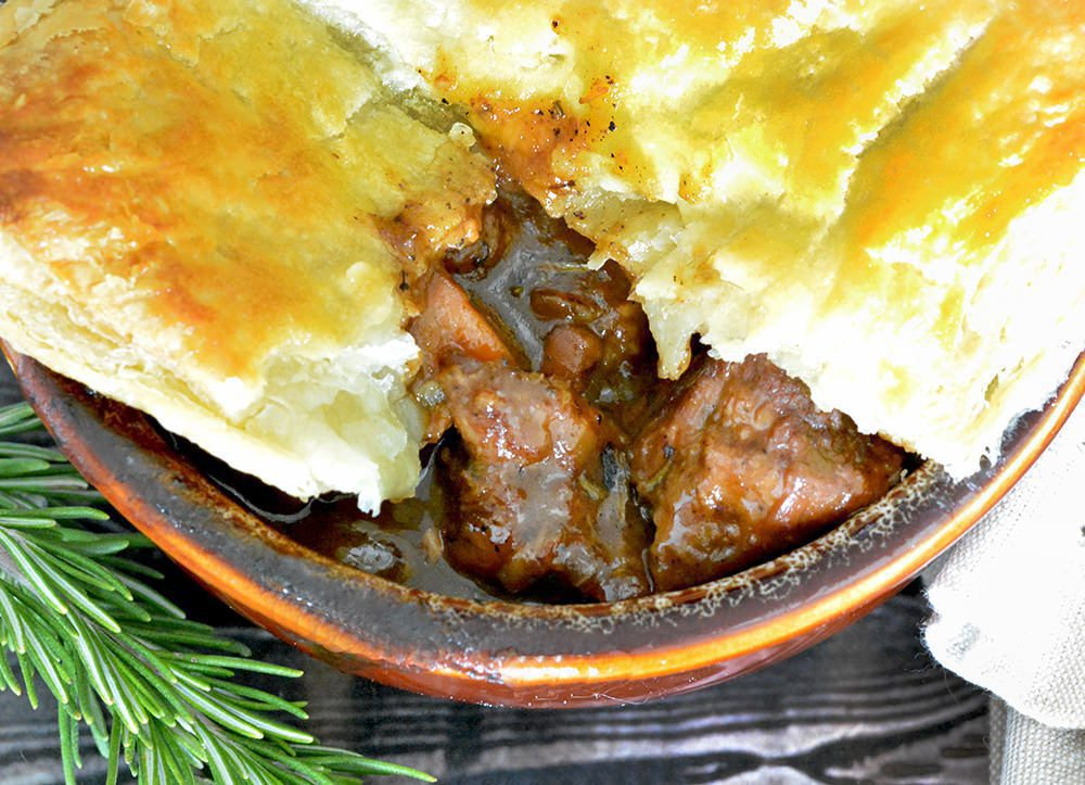 Hearty and Tender Steak and Ale Pie